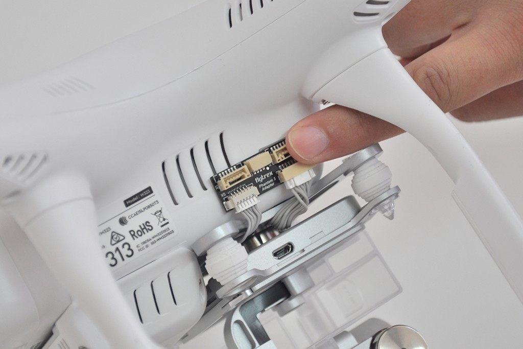 installation phantom 3 position and secure flytrex adapter 1024x683 how to install flytrex live 3g on your dji phantom 3 without dji phantom 3 camera wiring diagram at fashall.co
